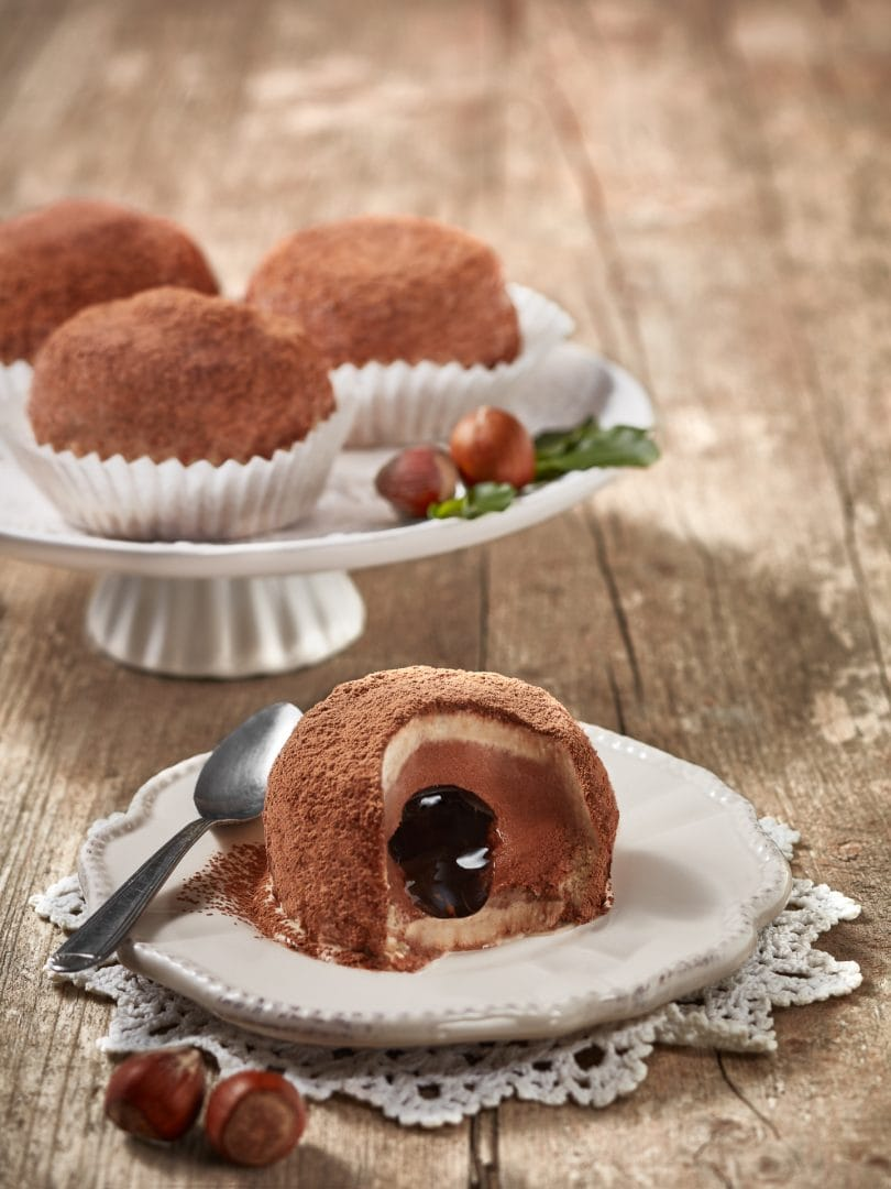 fotografo food gelato tartufo di calabria con cacao e cioccolato fuso advertising editoriale calabria milano roma padova trieste