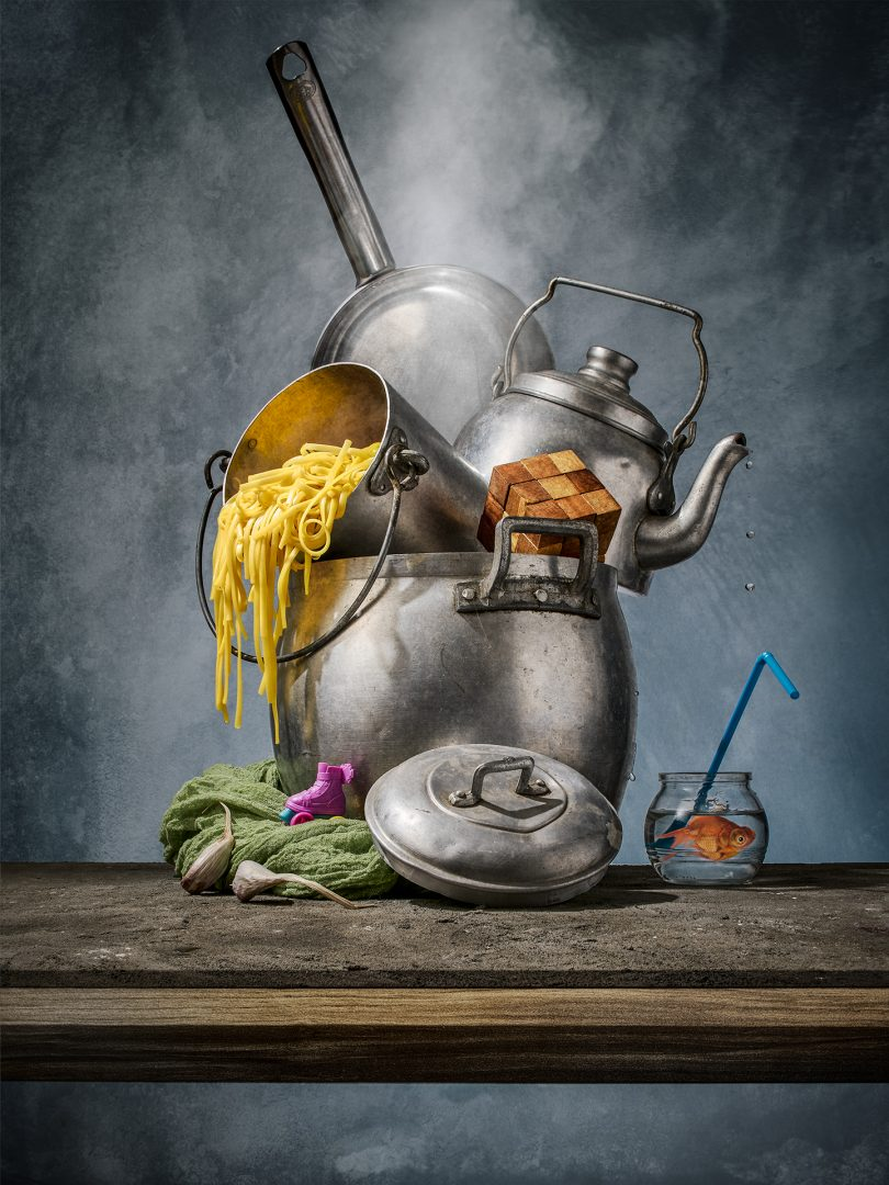 Award winning fine art photographer - food photography - Modern Old Pasta - pasta in pentola - conceptual - Milano - Torino - Bologna - Modena